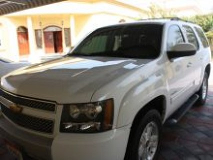 سيارة عائلية شفروليه تاهو ماشية 61000 كم للبيع