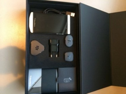 WTS: BlackBerry Porsche P\'9981