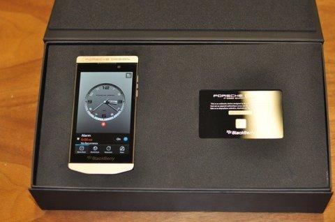 للبيع: BB Porsche 24ct Gold, Blackberry porsche p\'9982(2000AED)B