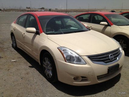 Nissan Altima from Dubai taxi