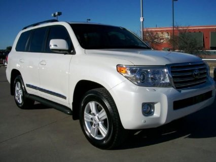 FOR SALE: 2013 TOYOTA LAND CRUISER V8