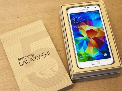 For sale:Samsung Galaxy s5,(350$ usd) iphone 5s Gold