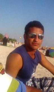 مصري يبحث علي زواجه مواطنه