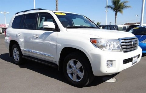 2013 Toyota Land Cruiser  V8 قاعدة