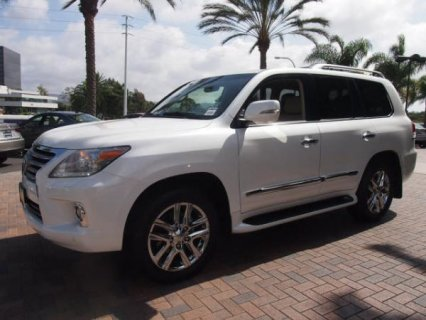 للبيع: Lexus lx570 2013  Call or WhatsApp CHAT:+254703285513