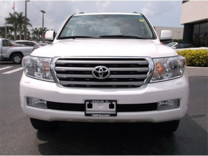 TOYOTA LAND CRUISER 2011 V8