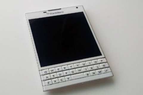 صور New Latest Version BlackBerry Design Passport ORIGINAL Arabic 1