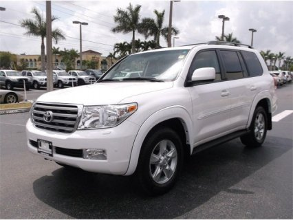 TOYOTA LAND CRUISER 2011, Low Mileage