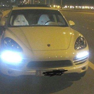 Porsche Cayenne model 2013 white color -