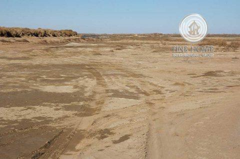 للبيع أرض تجارية في مدينة محمد بن زايد _ أبو ظبي_L_1199