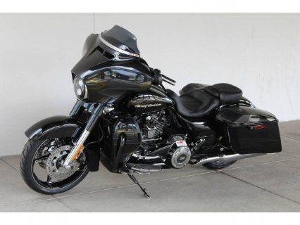 2017 Harley-Davidson CVO™ Street Glide®