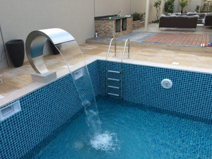 أحواض سباحة