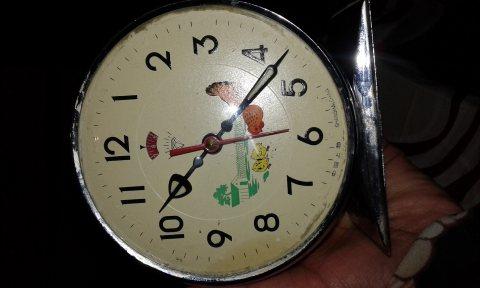 ساعة الدجاجة الاصلية