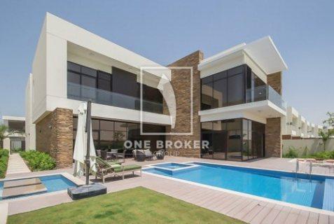 تملك فيلا 4غرف وغرفةخادمة بقلب دبي جاهزة للسكن وأدفع فقط 6500 درهم فقط شهري