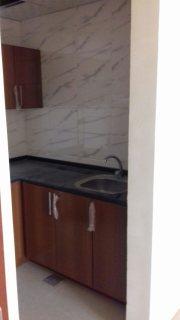 للإيجار غرفة وصالة جديدة أول ساكن وموقع مميز على شارع الشيخ محمد بن زايد فقط