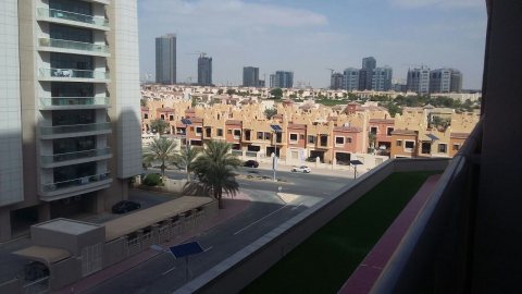 fully furnitured studio for rent in Dubai sport city only 42000 AED
