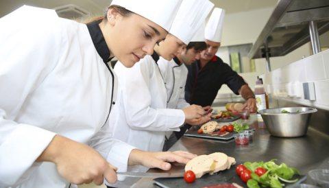 طباخات جاهزات للاستقدام من المغرب و تونس