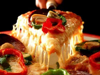 شركة النخبة المغربية يتوفر لدينا معلمين فطائر وبيتزا تخصصهم البيتزا الايطالية