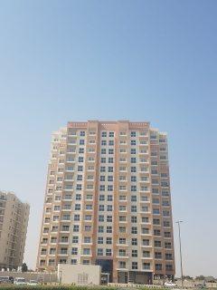 شقة غرفتين وصالة جاهزة تسليم فوري في دبي بمنطقة ليواان بدفعة أولى 195 ألف