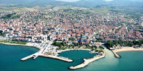 شقة جاهزة للسكن في تركيا باطلالة مباشرة علي البحر في حي تر مال في يالوفا