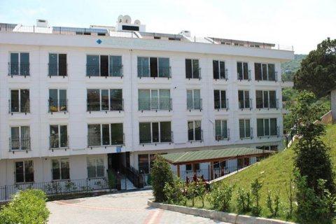 بقلب تركيا شقة غرفتين وصالة جاهزة للسكن في تركيا باطلالة مباشرة علي البحر
