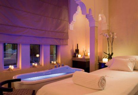 خبيرة حمام مغربي لها خبرة طويلة في أرقى الحمامات المغربية
