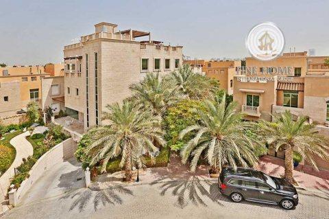 للبيع..فيلا 5 غرف رائعة في حدائق المشرف أبوظبي