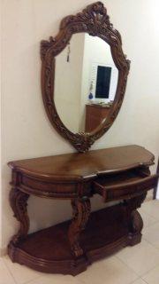 طاولة مع مرآة للصالون شوفينير