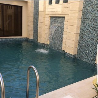 شركة تنفيذ احواض سباحة في الامارات (حمامات سباحة) لاندسكيب-
