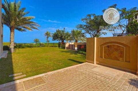 للبيع..فيلا 5 غرف في جزيرة السعديات أبوظبي