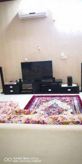 طاولة تلفزيون متعددة الأشكال للبيع