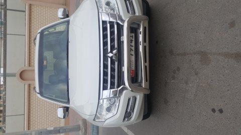 سيارة متسوبيشي باجيرو للبيع