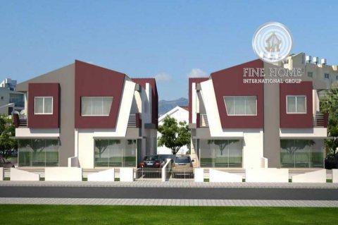 للبيع مجمع فيلتين رائع في مدينة خليفة . أبوظبي