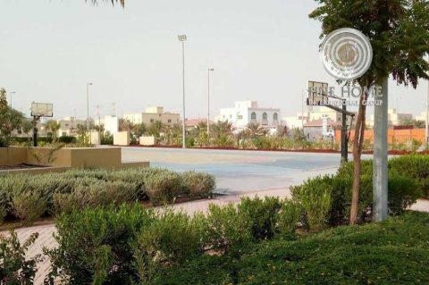 للبيع مجمع 6 فلل رائع في مدينة محمد بن زايد
