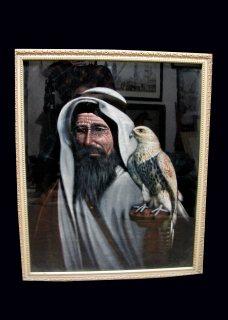 لوحه متحفيه قديمه لشيخ ممسك بصقر