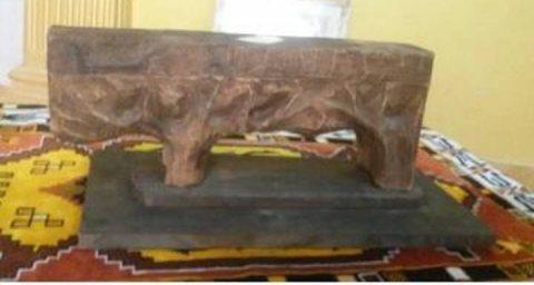 تمثال خشبي نادر لفنان اوروبي
