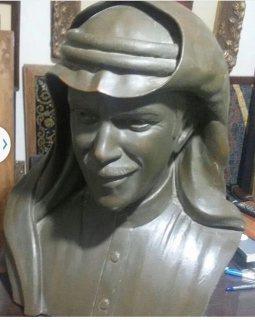 للبيع تمثال قديم  لشخصيه خليجيه شهيره