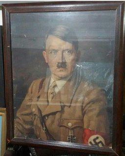 للبيع لوحه هتلر 1933