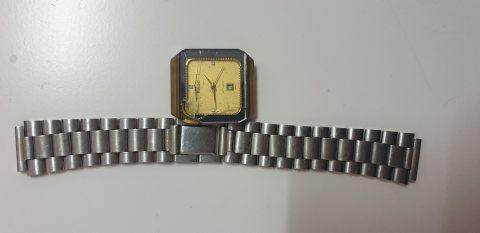 ساعة رادو قديمة تعمل بالنبض