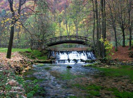 فلل للبيع فى البوسنه باطلالات جبليه مميزه بسعر 500 الف درهم