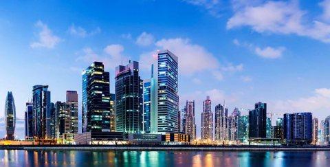 امتلك شقة في برج في قلب الخليج التجاري على الواجهة المائية
