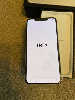 صور Apple iPhone 11 Pro 64GB = $600, iPhone 11 Pro Max 64GB = $650, iPhone 11 64GB 6