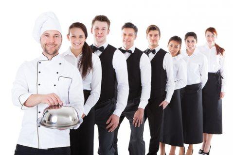 طاقم شيفات وطباخين جاهزين للعمل بالفنادق والمطاعم عبر شركة الأسمر من المغرب