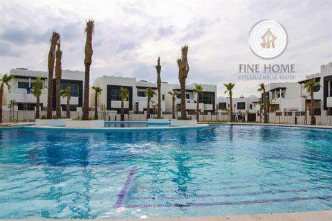 للبيع..فيلا تاون هاوس 4 غرف في حدائق البطين أبوظبي