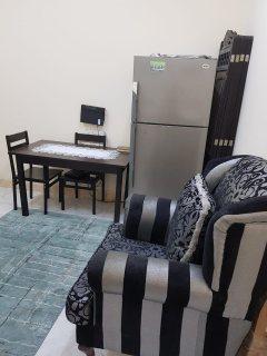 للايجار شقة مفروشة غرفتين وصالة بالشارقة التعاون بسعر ممتاز