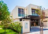 فيلا بقلب دبي 4 غرف وغرفةخادمةوحديقةجاهزة للسكن وأدفع 6500 درهم فقط شهري